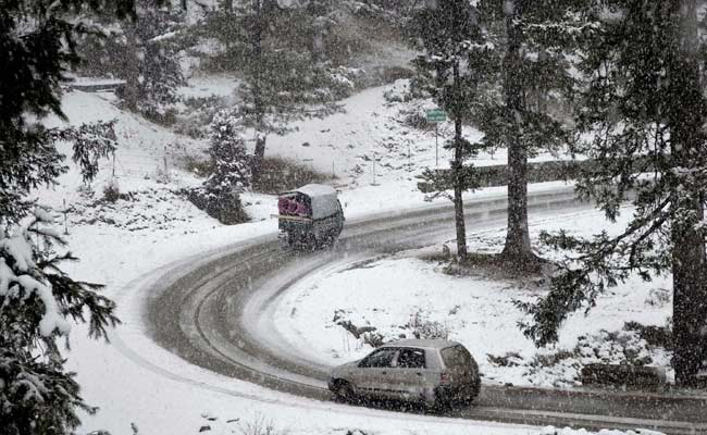 Light Snowfall In Jammu and Kashmir's Pahalgam