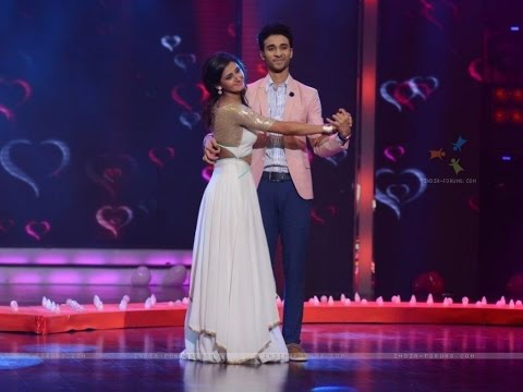 Shakti Mohan Kissed Raghav