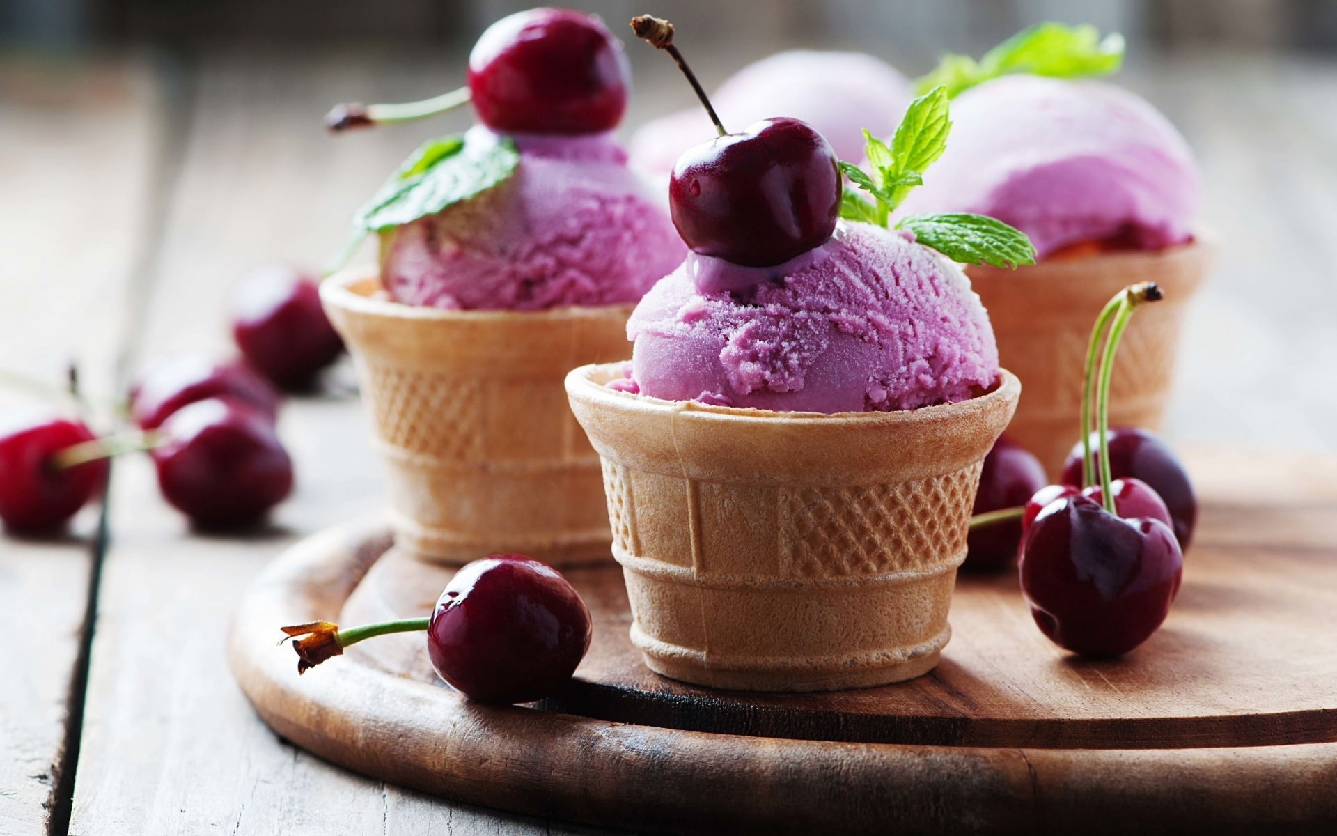 Wallpaper-HD-Cherry-Ice-Cream