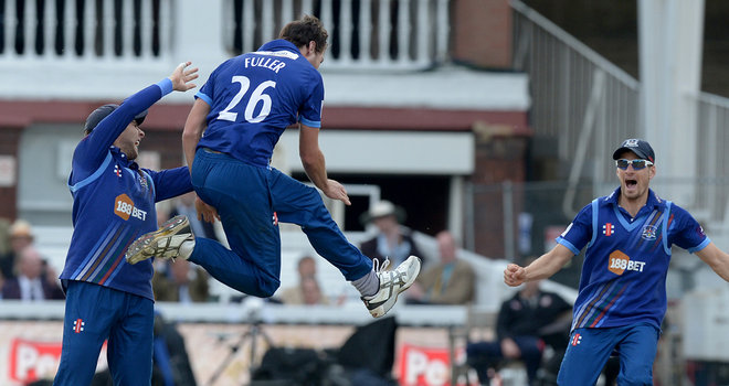 cricket-gloucestershire-v-surrey-royal-london-one-day-cup_3353258