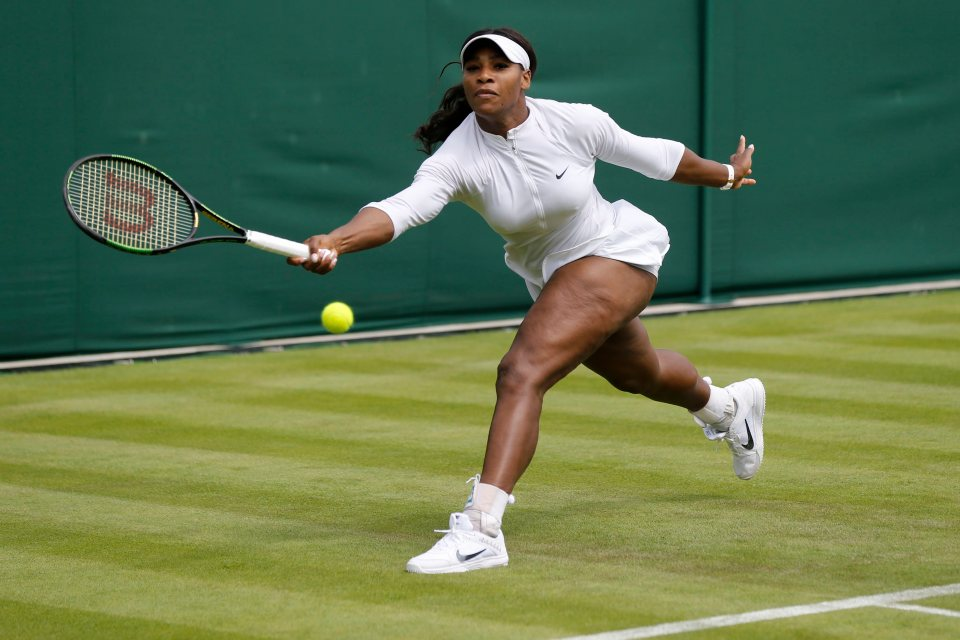 epa05389487 Serena Williams of USA in action during a training session at the All England Lawn Tennis Championships in Wimbledon, London, Saturday, June 25, 2016. The Wimbledon Tennis Championships 2016 will be held in London from 27 June to 10 July. EPA/PETER KLAUNZER EDITORIAL USE ONLY/NO SALES/NO ARCHIVES