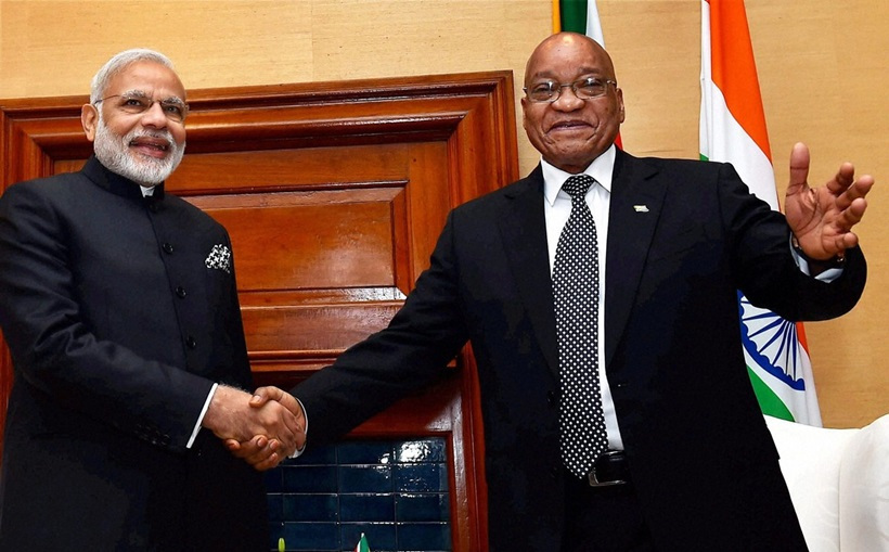 Pretoria: Prime Minister Narendra Modi with the President of the Republic of South Africa, Jacob Zuma in a meeting at Union Buildings in Pretoria, South Africa on Friday. PTI Photo (PTI7_8_2016_000146A)