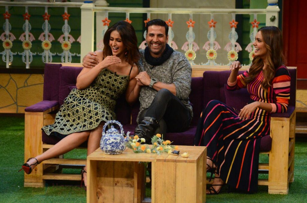 Akshay Kumar, Ileana D_Cruz, Esha Gupta promote Rustom on the sets of The Kapil Sharma Show on 5th Aug 2016 shown to user 34724
