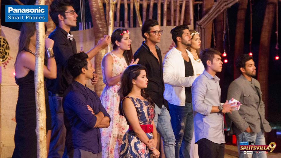 The Splitsvillans get into an argument with Mia and the brothers