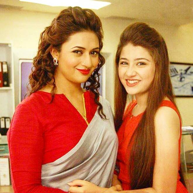 Yeh-Hai-Mohabbatein-27th-May-2016-Written-Episode-Update-YHM