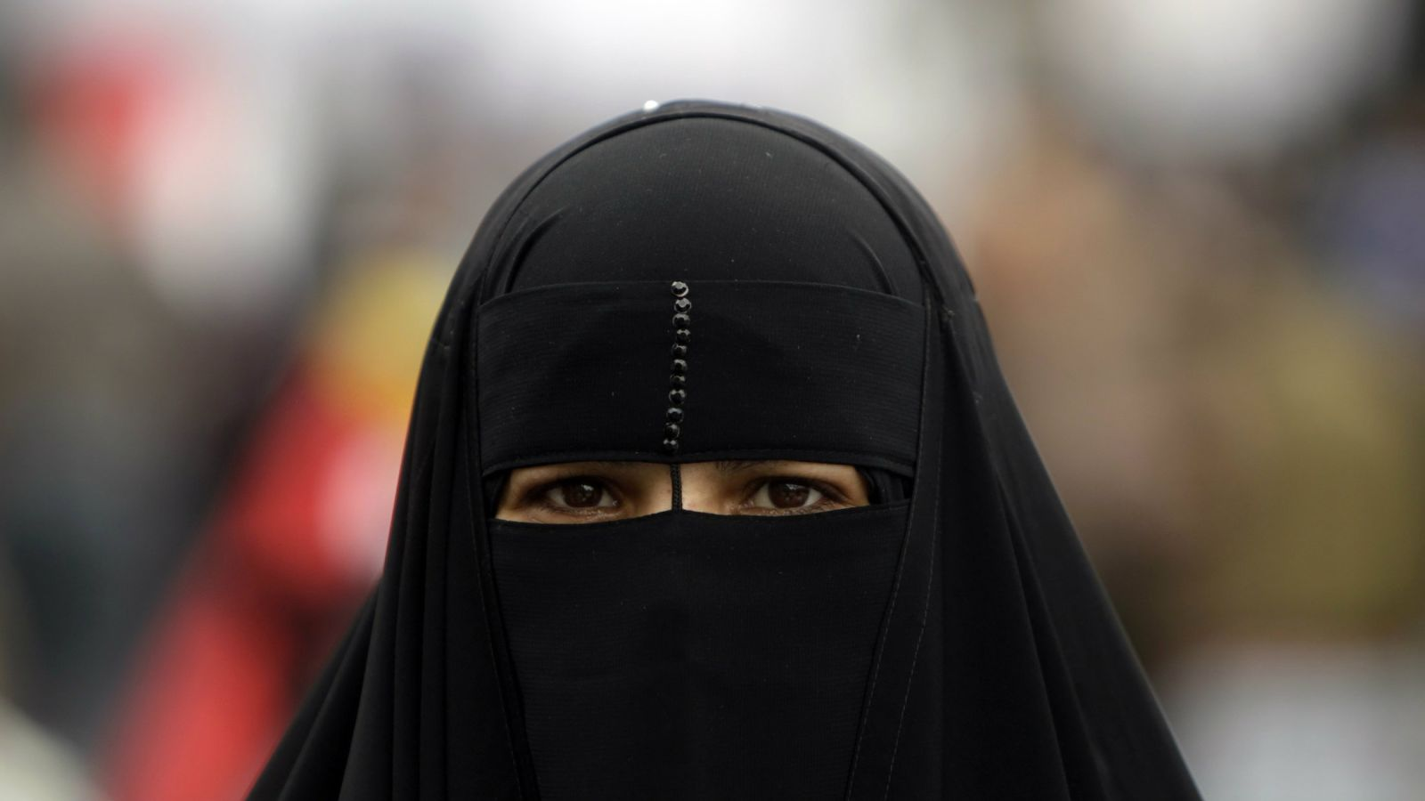an-egyptian-woman-wears-a-niqab-at-tahrir-square-in-cairo-in-2011