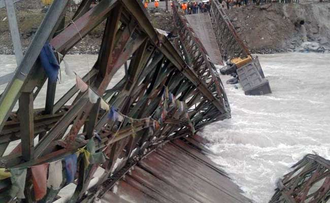 bridge-collapse-rohtang-tunnel-project_650x400_71472495152