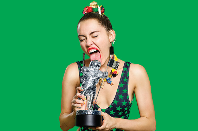miley-cyris-mtv-vma-promo-2015-billboard-650
