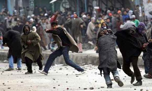 stone-pelters-jammu-and-kashmir-clash