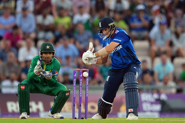 England's Joe Root bats during the first one day international (ODI) cricket match between England and Pakistan at The Ageas Bowl cricket ground in Southampton, southern England, on August 24, 2016. Pakistan captain Azhar Ali won the toss and elected to bat against England in the first one-day international at Southampton on Wednesday. / AFP PHOTO / GLYN KIRK