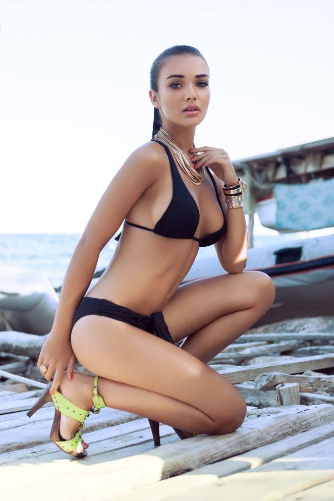 amy-jackson-bikini-photoshoot-01-662x993