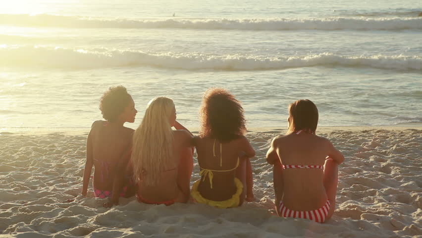 meeting-girls-at-the-beach