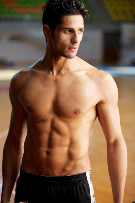 Sidharth-Malhotra-shirtless1