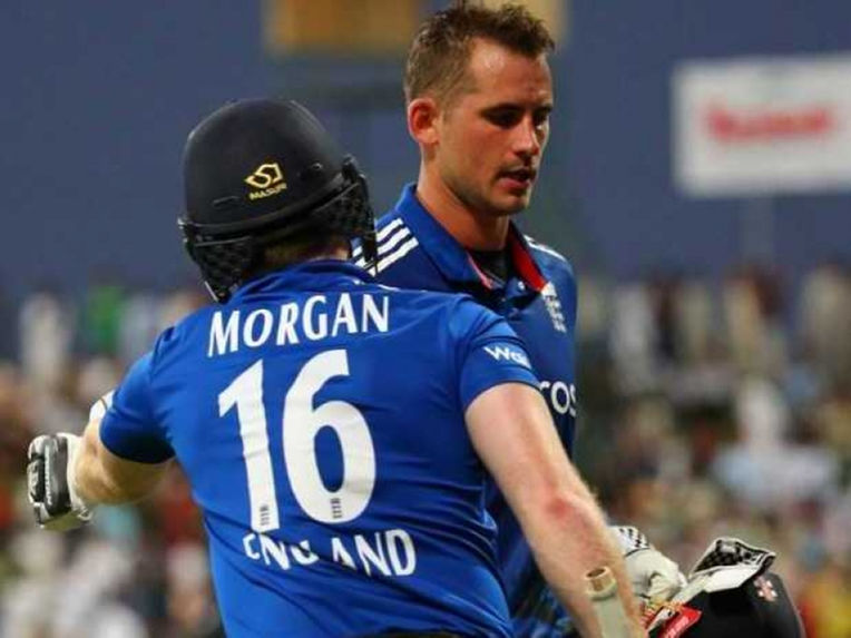 eoin-morgan-alex-hales-1209
