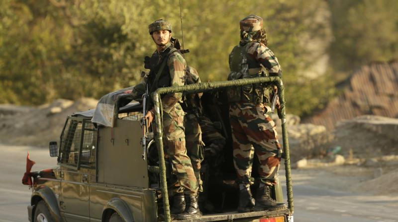 Kashmir: 9 Injured From Grenade Blast by Suspected Militants