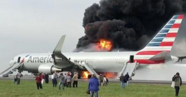 american-767-plane-caught-fire-on-runway-of-chicagos-ohare-airport
