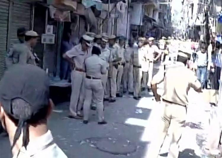 explosion-in-naya-bazaar-area-old-delhi-1-reported-dead