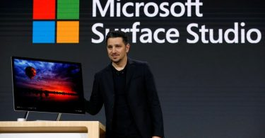 microsoft-launches-first-desktop-windows-update-with-3d-features