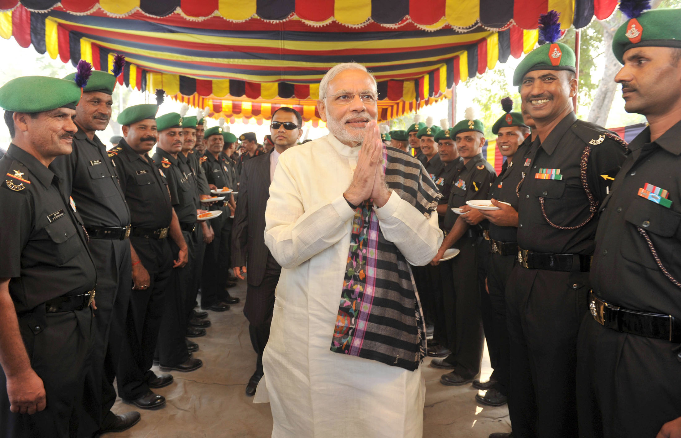 The Prime Minister, Shri Narendra Modi interacting with the jawans at Barki War Memorial, in Punjab on November 11, 2015.