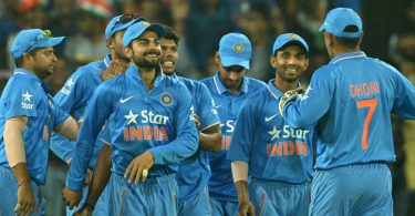 teammates-congratulate-indias-virat-kohli-for-taking-a-catch1