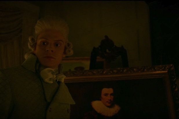 american-horror-story-roanoke-evan-peters-edward-mott