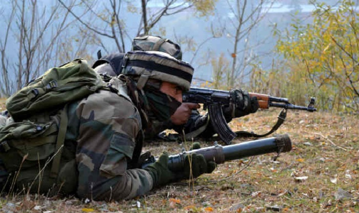 Guerrillas attack police station in Kashmir