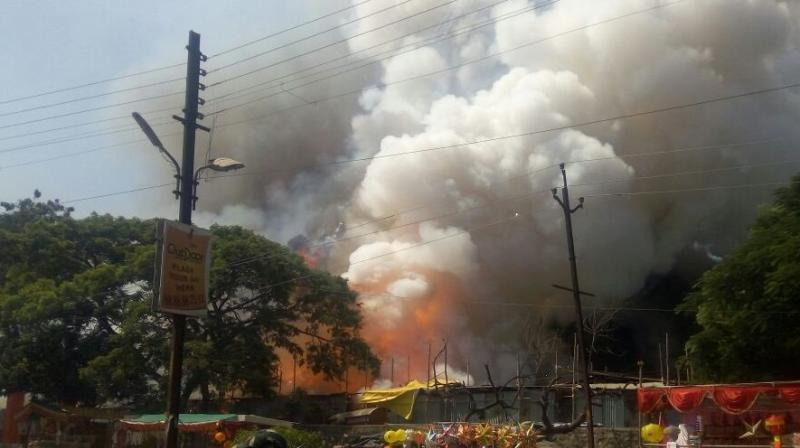 aurangabad-fire-in-crackers-market