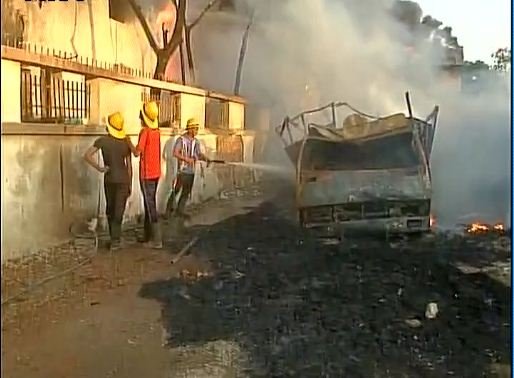fire-at-paint-manufacturing-plant-in-ahemdabad