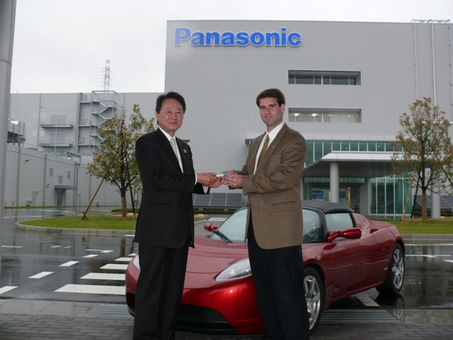panasonic-first-battery-to-tesla