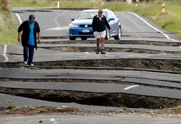 2-killed-a-powerful-earthquake-of-7-8-magnitude-hit-new-zealand