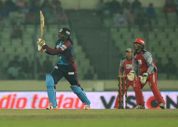 chirs-gayle-dismissed-chittagong-vikings-600x430