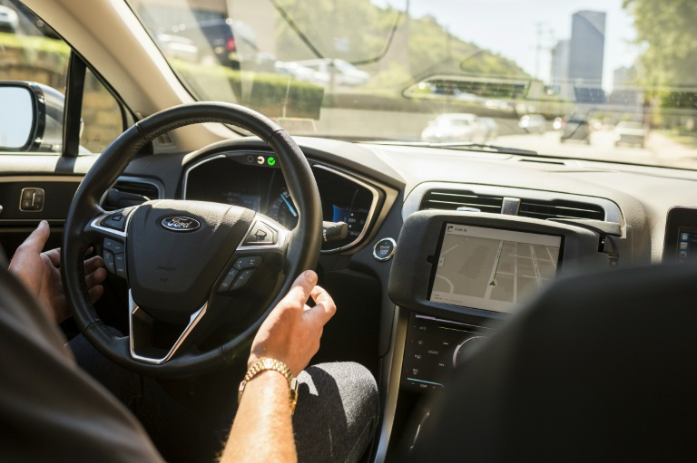 self-driving-car-group-urges-us-regulators-to-clear-road