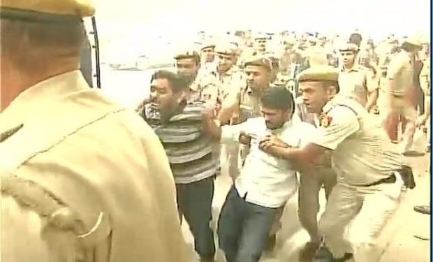 jnu-students-protest-at-india-gate