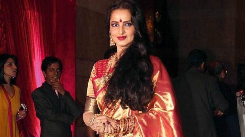 at-the-age-of-15-rekha-was-allegedly-molested-by-actor-biswajeet