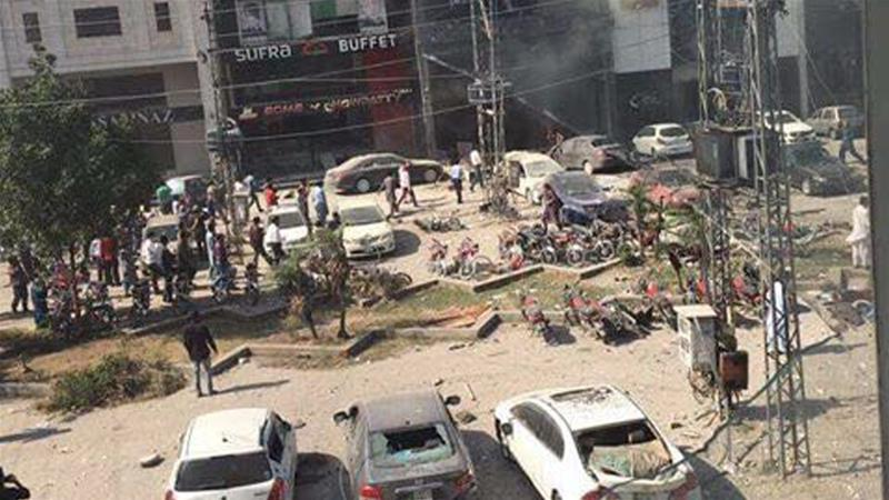 Latest News: Lahore: 7 killed & many injured in suicide bomb