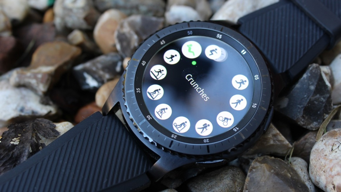 Samsung Gear S3 review: Big on battery, iPhone compatible