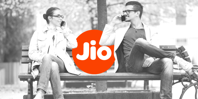 Reliance Jio offer: Get cashback of Rs 3300 on recharge of 399