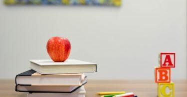 books-apple-crayons