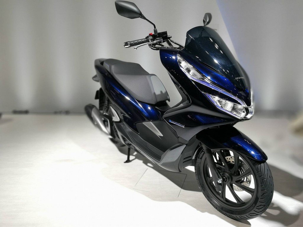 top 5 electric two wheelers at auto expo 2018 coming in. Black Bedroom Furniture Sets. Home Design Ideas