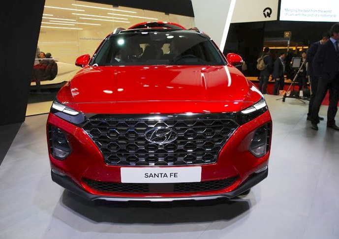 Hyundai Santa Fe 2018 Features