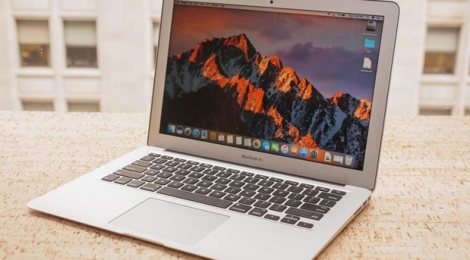 Apple Cheapest MacBook Air is ready to Launch in Q2 2018