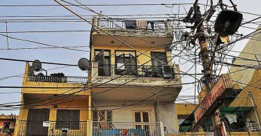 Delhi: residents may soon get paid for unscheduled power cuts per hour