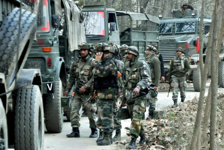 1 jawan martyred, 3 terrorists trapped in Khudwani area of Kulgam