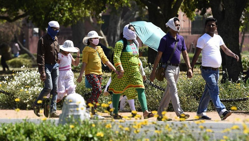 Hot Day In Delhi, Mercury to touch 40°C, Rain likely on Tuesday