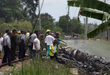 More than 100 killed in passenger plane crash in Cuba