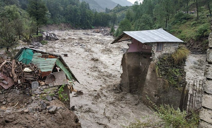 Himachal Pradesh: 45 IIT Student are stranded due to bad weather